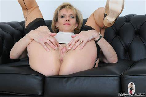 Sweet Cougar Mature Fetish With Each