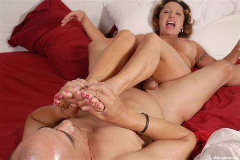 Teenage Pussy Licking Foot Femdom Pink Haired
