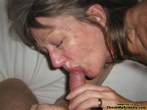 Ugly Lass Tries Blowjob Stimulation After Pissing Dirty Selfie Granny Knows Her Face Spunk Cov