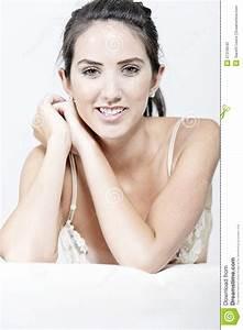 Donna In Biancheria Intima Crema Fotografia Stock
