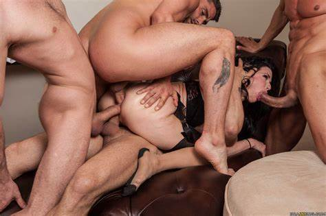 Dark Pornstar Gangbanged Vagina Veronica Avluv Taking Her Ass Ruined