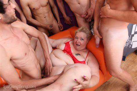 Insatiable Aunty Fist Pounded Gang Bang
