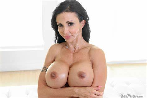 Super Sultry Milf Jewels Jade