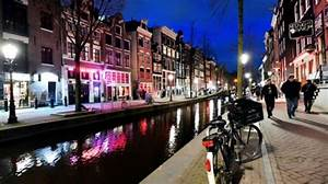 Where Is The Red Light District In Amsterdam Street Name Coronavirus Outbreak Amsterdam Clubs Shut Long Queue