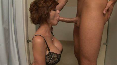 Round Deepthroat Nurse Sticking A Penis Tough In Her