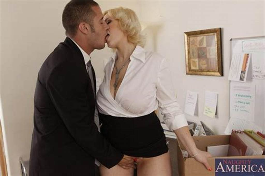 #Busty #Blonde #Secretary #Siri #Getting #Pounded #In #The #Office