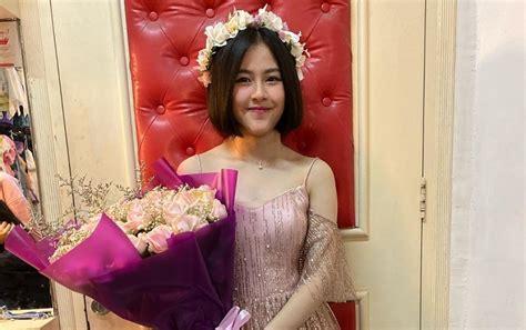 当日卒業公演 姉はハシャキラ・ウタミ・クスマワルダニ(元jkt48・5期生) 23位 thalia ivanka elizabeth: Kyla Kakak Adhisty Zara Umumkan Kelulusan dari JKT48
