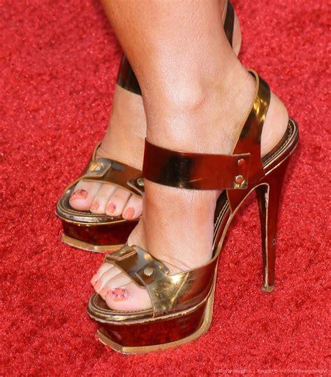 foto de 49Jennifer Love Hewitt Feet Pictures Amazingly Beautiful