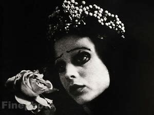 foto de 1974 Vintage IRINA IONESCO 16x12 Photo Gravure ~ FEMALE