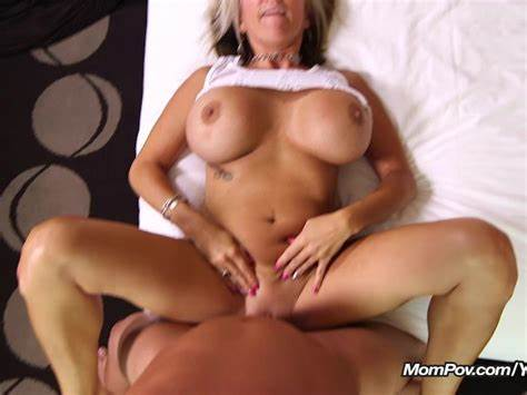 Bigtit Cougar Anally Facials
