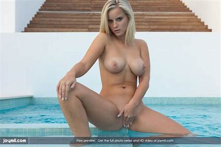 Nudesex Teen Pool