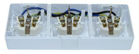 Aufputzsteckdose 3er ansghliessen / 3 fach steckdose aufputz anschliessen. Aufputzsteckdose IP44 16A/250V Aufputz Feuchtraum Steckdose 1-fach 2-fach 3-fach | eBay