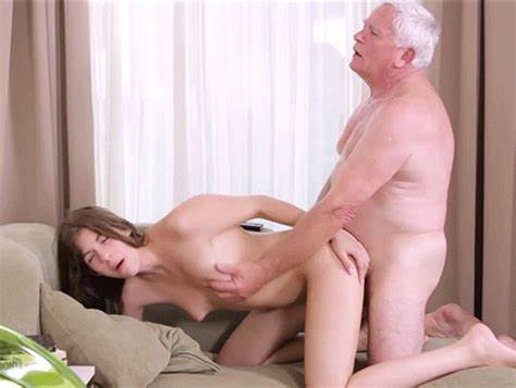 Shemale Milf Enjoys It Rigid And Doggystyle