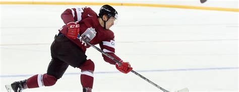 Latvijas hokeja izlase pirmajā pārbaudes spēlē sīvā cīņā zaudē Norvēģijai / Diena