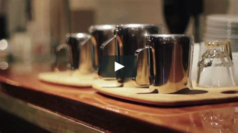Café, roasting and consulting company dedicated to the art and science of coffee. Onyx Coffee Lab | Latte Art Throwdown on Vimeo