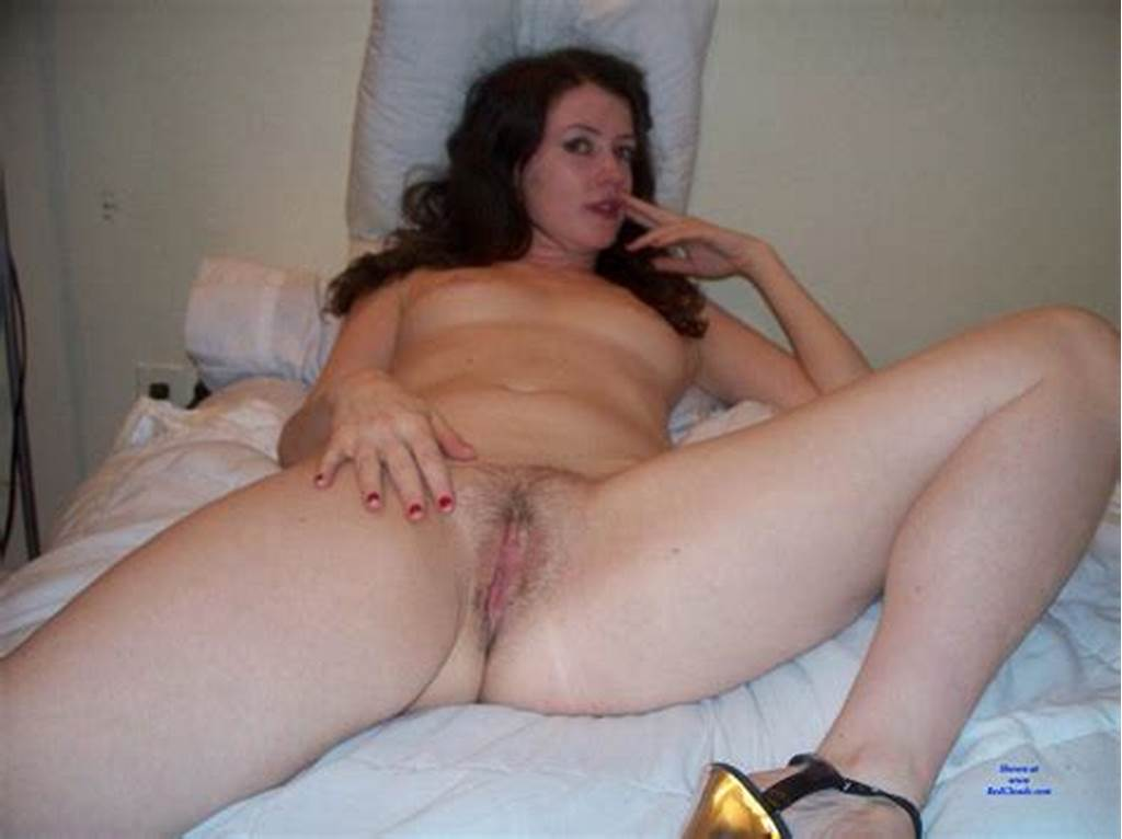 #Emma #Sexy #Amateur #Posing #At #Redclouds