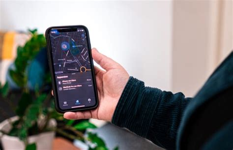 Airtags are an upcoming tracking device to be made by apple inc, and could be released soon. 'Apple lanceert AirTag, iPhone 12 en Watch tijdens event ...