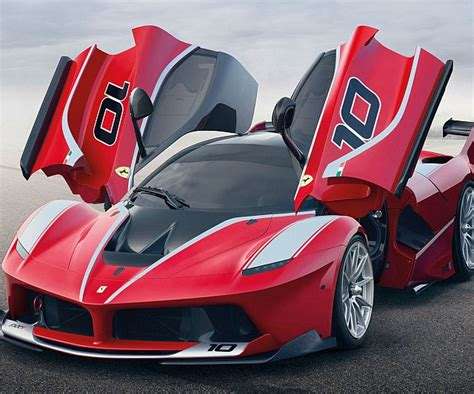 Brianzuk records a trio of ferrari fxxs, red, yellow, and black, in action, racing at infineon raceway! Ferrari FXX K - Interwebs.Store