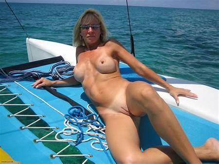 Teen Sailing Nude
