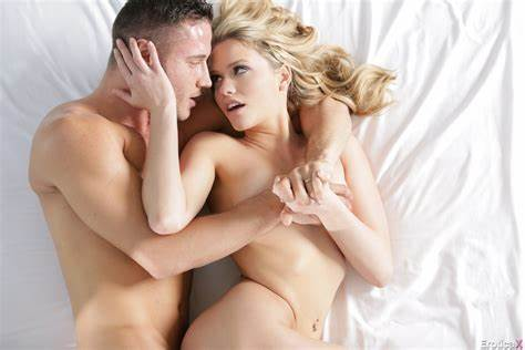 Bisexual Shacking Up Atop Showing Porn Images For Mia Malkova Bj Wallpaper