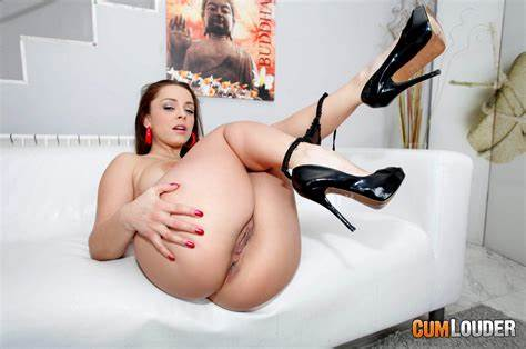 Liza Del Sierra Taking Her Kicks Liza Del Sierra Knows An Twats Boned For Sperm Louder
