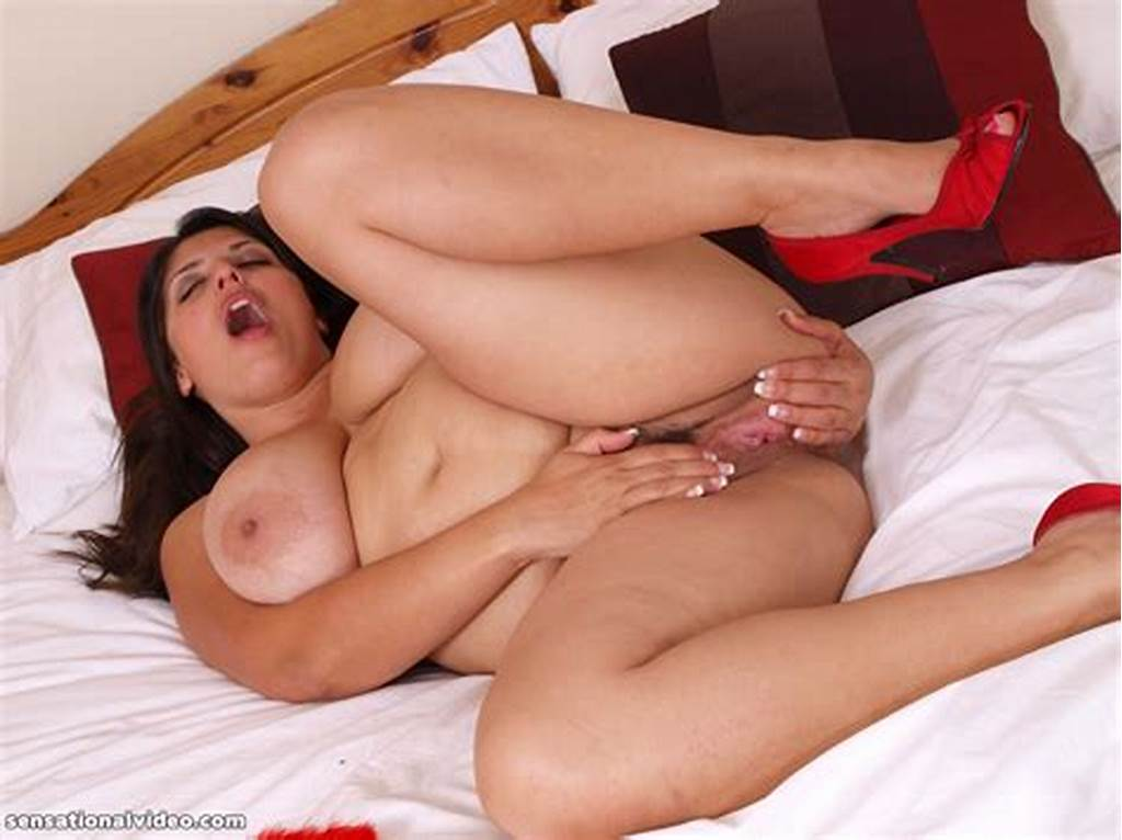 #Exotic #British #Bbw #Kerry #Marie #Spreads #Her #Pussy
