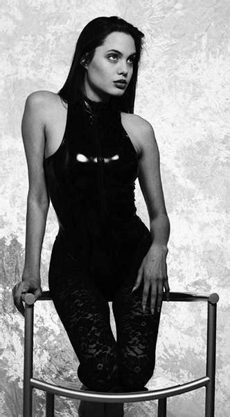 16 gadus vecās Andželinas Džolijas fotosesija | Angelina jolie, Angelina jolie fotos, Fotos de ...