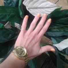Nailpolish julep in sunny metallic bright neon yellow no