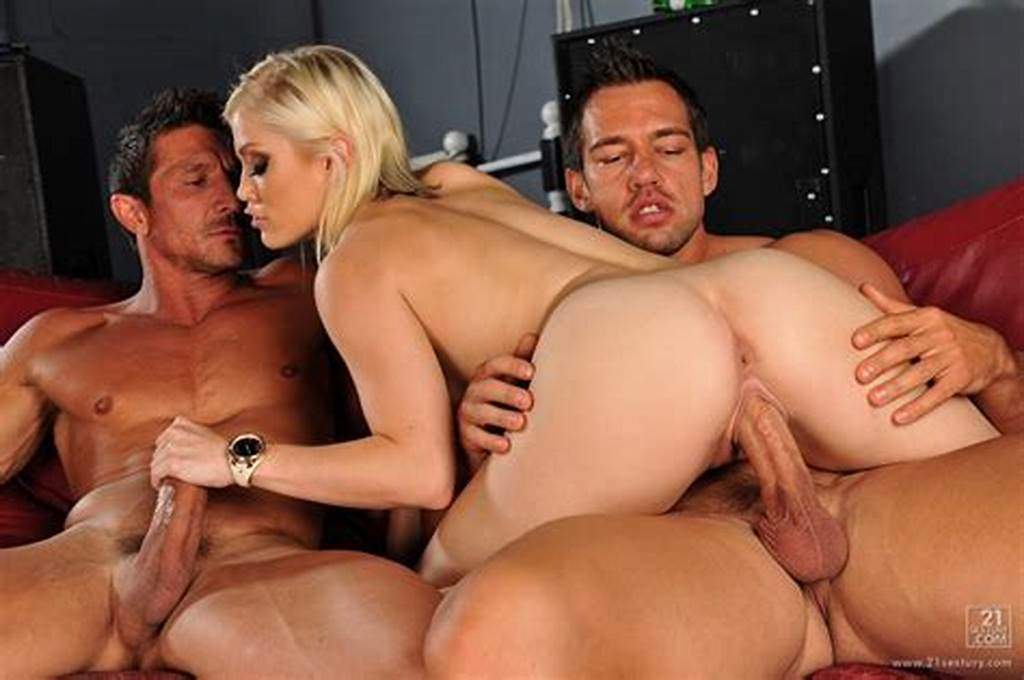 #Free #Porn #Picture #11 #From #Threesome #In #The #Bar #Part #1