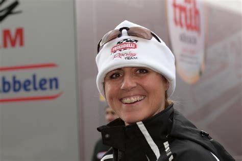 """Sabine schmitz attempts to drive a transit van around the nurburgring in under ten minutes. """"Ihr seid der Knaller"""": Sabine Schmitz wendet sich an Fans"""