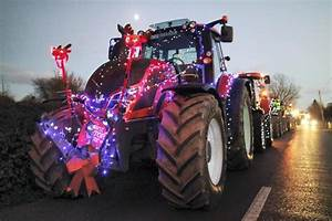 The Grotto Lights Christmas Tractors Event To Light Up Carrick On Suir