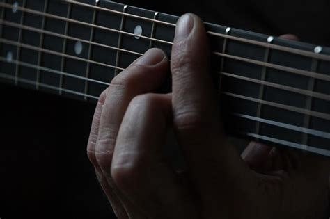 What are guitar riffs (and how to create them) - Learn ...