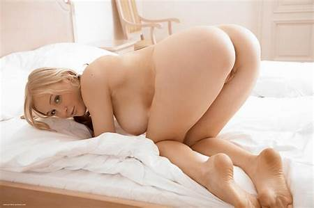 High Resolution Teen Nude