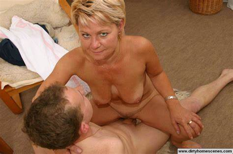 He Seduce Strong Aunt To Drilled Her Ass And Cumshot