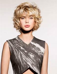 Coupe De Cheveux Bouclés Femme : coupe de cheveux ondul s carr ~ Nature-et-papiers.com Idées de Décoration