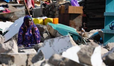 The latest tweets from @rabiatulukhti Viral Foto Muslimah Ghana Sholat di Tengah Reruntuhan ...