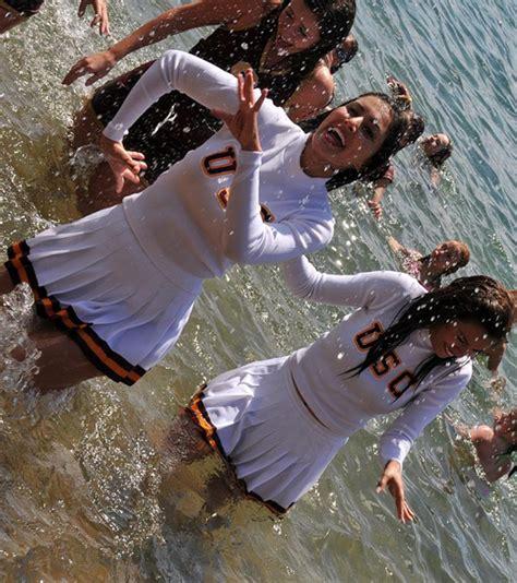 usc cheerleaders  wet  wild pics campus