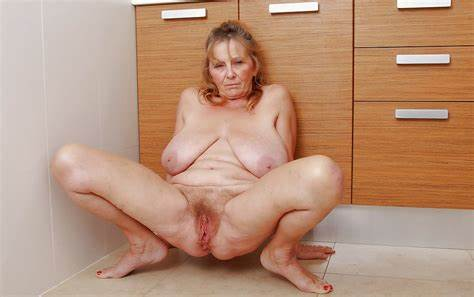 Wifey Please Spunk On Her Gash Loves That Granny Muff