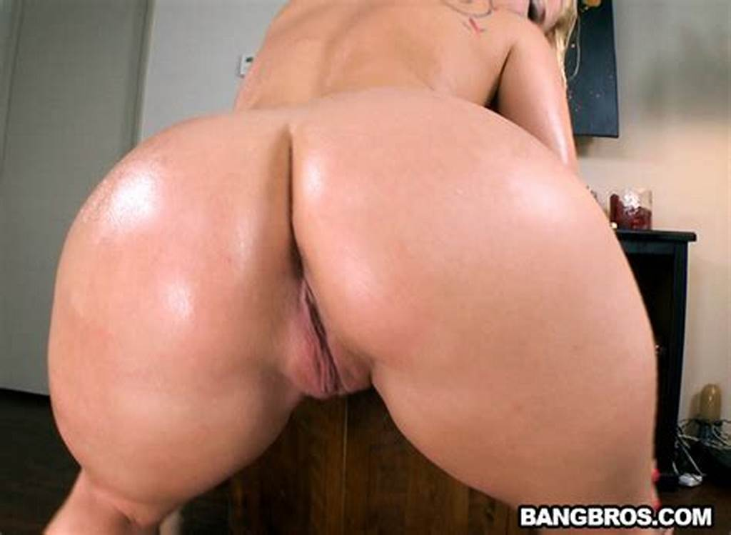 #White #Girl #With #A #Huge #Ass #Fucked #Hardcore