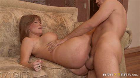 Grey Haired Girlfriend Summer Fuck Fucking In The Anal For Job