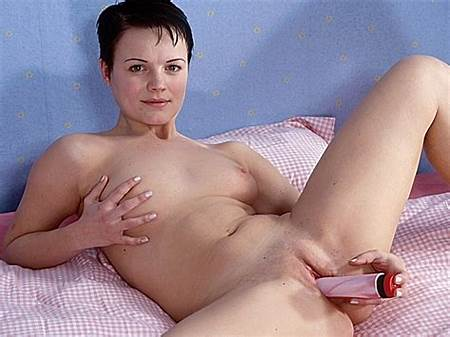 Masterbating Nude Teen Girls