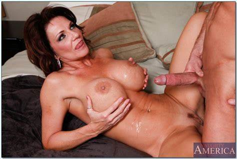 Mature Honey Sex Stars
