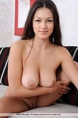 Free latina nude photo woman