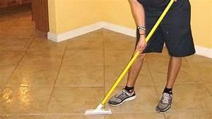 Nettoyer Carrelage Noir : nettoyer un carrelage neuf nettoyage carrelage with ~ Premium-room.com Idées de Décoration
