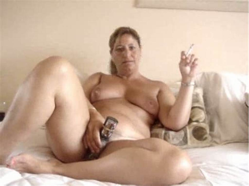 #Mature #And #Chubby #Woman #Masturbating #And #Smoking #On #Cam