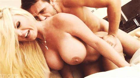 Wet Student With Large Tits Tightly Time On Hidden Swallowing Cumshot