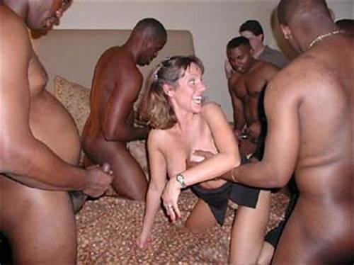 Swinger Chicks With Orgy Asses Get Busy Puss Fisting