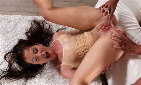 Golden Yoga Aunties Peeing Jessica Rox In Hd Pov Video Chesty Audition At Vipissy
