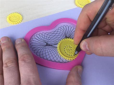 Zīmēšanas ierīce sirds formas geometrisku figūru zīmēšanai ...