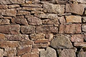 Alte Ziegelsteine Im Garten : gartenmauer aus alten ziegelsteinen bauen so geht 39 s ~ A.2002-acura-tl-radio.info Haus und Dekorationen